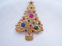 Its time to Plan for Christmas! Vintage Christmas Tree Brooch by Sentimental Sue