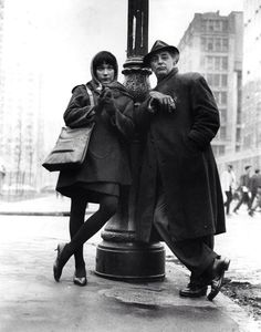 Shirley Maclaine and Robert Mitchum