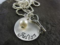 Namenskette KEY TO MY HEART Silber von Perlenhuhn auf DaWanda.com