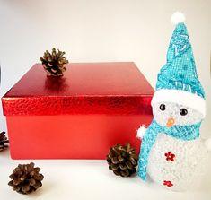 Set of 4 Christmas Ornament, Yellow Christmas decoration, Hand-crafted balls, handmade ornaments for tree, Christmas in July! Xmas Tree, Christmas Tree Decorations, Christmas Ornaments, Holiday Decor, Rainbow Flag, Rainbow Print, Handmade Ornaments, Handmade Items, Yellow Ornaments