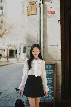milkcocoa Cute Asian Fashion, Korean Fashion, Suits For Women, Clothes For Women, Asia Girl, Hair And Beard Styles, Beautiful Asian Women, Korean Outfits, Look Chic