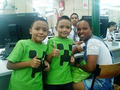 Os gêmeos Josh e Andrew foram ao Poupatempo Sé com a mãe, Tatiane Oliveira, para tirar a primeira via do RG. Tatiane explicou que precisa do documento dos filhos para fazer matrícula e tirar o bilhete escolar. Fãs do game Minecraft (ambos estavam com a camiseta do jogo), os gêmeos acabaram aparecendo numa reportagem da TV Record sobre o movimento no Poupatempo na Quarta-feira de Cinzas, após o feriado de Carnaval.
