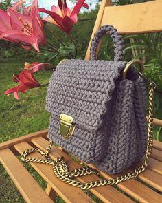"1,532 Likes, 12 Comments - @ayfermorkaya (@applewhitecrochet) on Instagram: ""By @edilenenatale #crochetando #crochetlove #crochetbasket #handmadebasket #crochetinspiration…"""