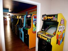 """""""Gary's"""" home arcade [been there]"""