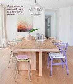 Bancos no décor. Veja: http://www.casadevalentina.com.br/blog/detalhes/bancos-no-decor:-como-nao-amar!-2955  #decor #decoracao #interior #design #casa #home #house #idea #ideia #detalhes #details #style #estilo #cozy #aconchego #conforto #casadevalentina #diningroom #saladejantar #cor #color