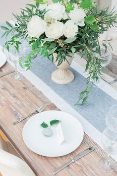 Macron place cards | Maxeen Kim Photography
