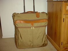 hartmann Luggage Rolling Garment bag W  Wheels.  129.00 a210c6a3c54ef