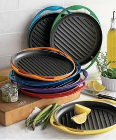 le creuset® skinny grill. I need one. The grill pan I bought was horrible. - http://AmericasMall.com/