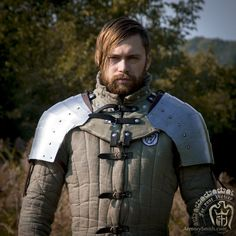 Gambeson with low quality shoulder plate armor. Gambesons were mainly used with chainmail