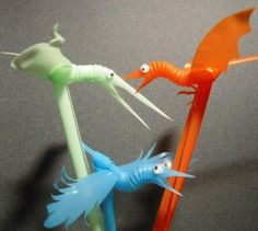 How to Make Bird Puppets from Plastic Straws. With just a few flex straws and some wobbly eyes, you can make little bird puppets. Start with two straws. Plastic Straw Crafts, Plastic Lace, Straw Art, Diy Straw, Crafts To Make, Crafts For Kids, Diy Crafts, Bird Puppet, Puppet Making