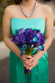 I love this colour combo! Turquoise and Purple.. I think these are your colors, Amanda! I really loooove the bouquet! (: