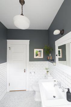 Traditional Bathroom 837247386963607491 - The 30 Best Bathroom Colors – Bathroom Paint Color Ideas Narrow Bathroom, Grey Bathrooms, Dyi Bathroom, Vanity Bathroom, Budget Bathroom, Bathroom Lighting, Bathroom Cabinets, Shower Bathroom, Painted Bathrooms