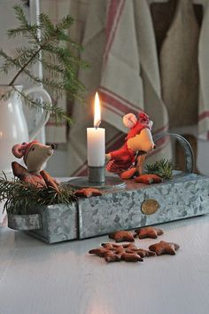 Christmas decorations that are so incredibly sweet! Aren't these little mice in the candle box so sweet? Woodland Christmas, Christmas Kitchen, Noel Christmas, Scandinavian Christmas, Country Christmas, Winter Christmas, Christmas Crafts, Christmas Tablescapes, Christmas Candles