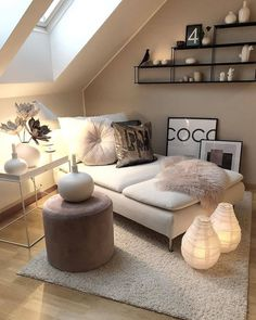 Kleines Zimmer Loft / Small Rooms Fitness GYM Loft / Small Rooms # Rooms Are you lookin Small Loft Spaces, Small Attic Room, Small Rooms, Attic Spaces, Decor Room, Living Room Decor, Bedroom Decor, Bedroom Ideas, Bedroom Loft