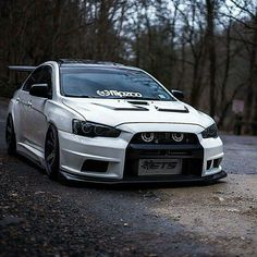 Evo X Varis bumper Tuner Cars, Jdm Cars, Subaru Cars, Evo X, Mitsubishi Lancer Evolution, Japan Cars, Modified Cars, Car Wheels, Subaru Impreza