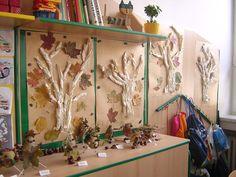 výzdoba třídy pro učitelky - Hledat Googlem Classroom Decor, Autumn, Halloween, Projects, Painting, Teacher, Art, Log Projects, Art Background