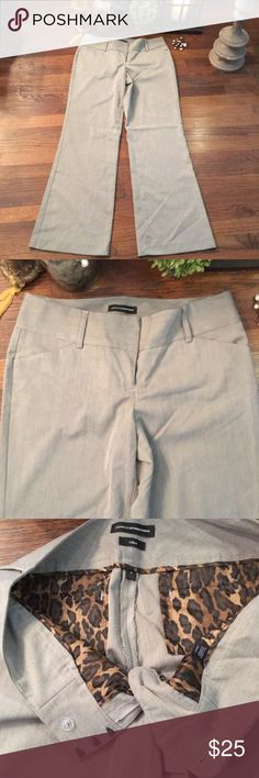 NWOT Express Women's Design Studio Editor Pants 73% Polyester 25% Viscous 2% Spandex Great for business casual, office or a night out Express Pants Boot Cut & Flare