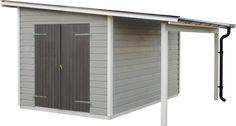 Torsbo 8,6 med takutbyggnad N Förråd med utstickande tak där det bildas ett extra utrymme på 3,5 kvadratmeter. Detta utrymme är perfekt lämpat för ved eller cykelförvaring m.m.