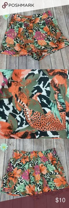 H&m Brand new shorts patterned size 2 H&M Shorts