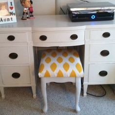 My $30 Craigslist dresser and $10 Craigslist bench make overs, a little paint and fabric