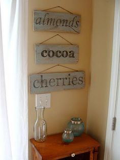 BRILLIANT TUTORIL for vintage wooden signs. diddle dumpling: Tutorial: Vintage-looking painted sign from salvaged wood Do It Yourself Vintage, Do It Yourself Home, Vintage Wood Signs, Wooden Signs, Rustic Signs, Rustic Decor, Wood Crafts, Diy Crafts, Bois Diy