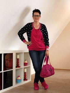 Outfit mit pinken Accessoires