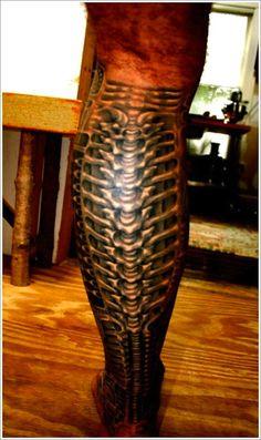 Leg biomechanical tattoo #TattooModels #tattoo