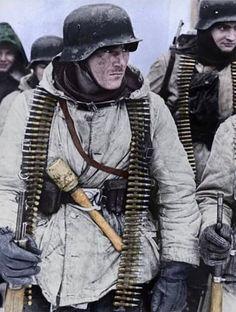 Ww2 Uniforms, German Uniforms, German Soldiers Ww2, German Army, Luftwaffe, Ww2 Propaganda Posters, Germany Ww2, Vietnam War Photos, Man Of War