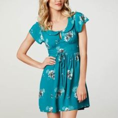 American Eagle Outfitters Peter Pan Dress XS New Without Tags. Green. Size 2. American Eagle Outfitters Dresses