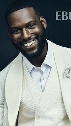 "Check out the stars of the hit OWN series ""Queen Sugar"" as they cover the new issue of Ebony Magazine. Look for the issue which features Rutina Wesley , Kofi Soriboe & Dawn-Lyen Gar… Fine Black Men, Hot Black Guys, Handsome Black Men, Fine Men, Black Man, Black Is Beautiful, Gorgeous Men, Kofi Siriboe, Chocolate Men"