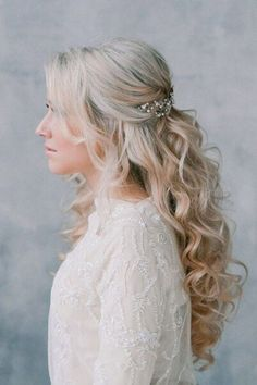 Pearl headpiece bridal hair half up with veil, veil hair down, half up wedd Half Up Wedding Hair, Wedding Hairstyles Half Up Half Down, Wedding Hairstyles For Long Hair, Wedding Hair And Makeup, Formal Hairstyles, Down Hairstyles, Bridal Hair Half Up With Veil, Bridesmaid Hairstyles, Prom Half Up Hair