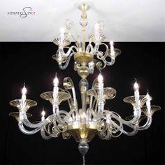 Murano chandelier. http://www.sorato.it/lampadari-della-tradizione/442-lampadario-murano-klimt-cristallo-oro.html