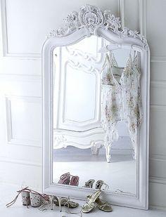 EN MI ESPACIO VITAL: Muebles Recuperados y Decoración Vintage: Espejos en el suelo { Mirrors on the floor }