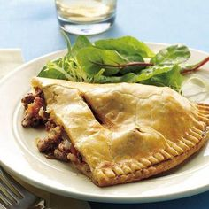 Enjoy dinner tonight with these delicious ground beef and vegetable empanadas recipe that's  baked using Pillsbury® refrigerated pie crusts - ready in just 45 minutes.