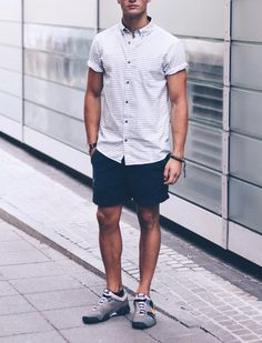 Shirt: Edited | Shorts: Asos | Shoes: Nike