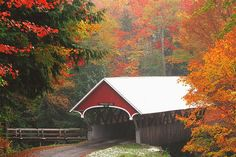 The Flume Covered Bridge utilizes a Paddleford truss, a support structure created by builder Peter Paddleford in the 19th century and used in many New England covered bridges. Located in Lincoln, New Hampshire, in Franconia Notch State Park, the bridge crosses the Pemigewasset River and is a part of the road leading to the Flume, a natural 800-foot gorge.