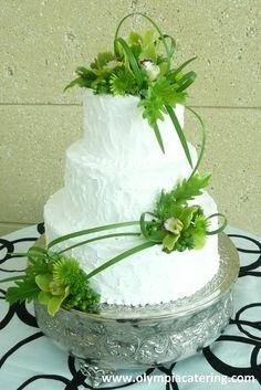 Round Wedding Cake, Messy Icing, Green Fresh Flowers, Three Tiers