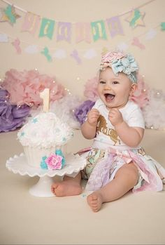Baby First Birthday Pictures Color Schemes 69 Ideas For 2019 Baby Girl Birthday Cake, 1st Birthday Girls, Unicorn Birthday, Cake Baby, Unicorn Party, 1st Birthday Photoshoot, Birthday Party Outfits, Birthday Parties, Birthday Girl Pictures
