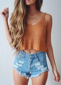 40 Cool Ways To Wear Denim Shorts For A Stylish Summer