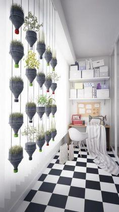 Recicladecoración: un jardín vertical con botellas de plástico