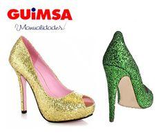 Pon tus zapatos a la moda...  Requieres:  Pegatela  Granizado Dorado y verde  Sellador de escarcha