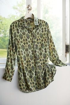 Find great discount women's clothing at our great women's clothing outlet. Soft Surroundings Outlet has all discount clothing types--skirts, tops, pants, etc. Clothes For Sale, Clothes For Women, Work Clothes, Discount Womens Clothing, Great Women, Velvet Tops, Weekend Wear, Pullover, How To Wear