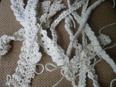 Romanian Point Lace cord patterns.  Use Google Translate to see the site in English