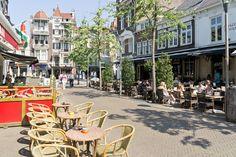 Een kroegentocht in Tilburg is ideaal als bedrijfsuitje, vrijgezellenfeest of ander groepsuitje! Ontdek het nachtleven van Tilburg met korting!