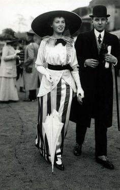 chic skirt,1914's fashion #womensfashion #skirts