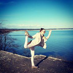 Yoga everywhere. Yoga in style. #geminicentrum on YouTube