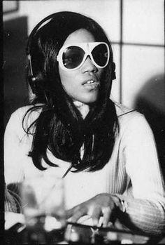 Singer, songwriter Gloria Jones