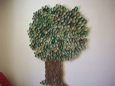 Tons of toilet paper tubes? Make this cool classroom tree. Toilet Paper Roll Art, Rolled Paper Art, Toilet Paper Crafts, Paper Crafting, Paper Tree Classroom, Paper Towel Rolls, Tree Wall Art, Paper Design, Diy Crafts