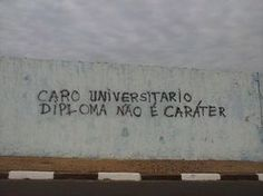 Caro UniversitárioAvenida Salgado Filho, São Carlos, SP.