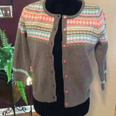 Boden sweater Adorable Boden sweater. Lightly worn. UK 12/US8. Runs smaller, more like a size 4.  Boden Sweaters Cardigans